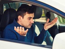 دلایل گاز نخوردن خودرو چیست؟