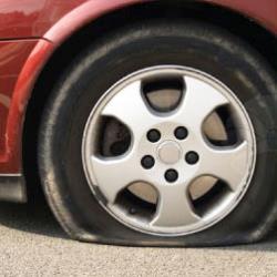 پنچرگیری لاستیک خودرو